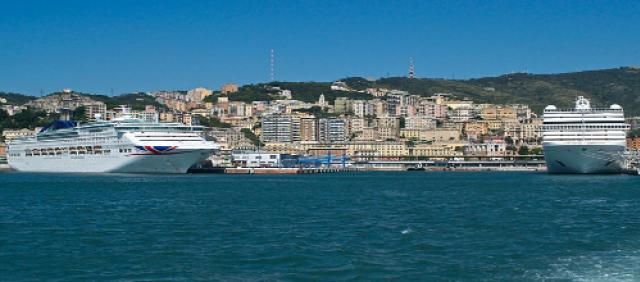 Ferry dans le port de Gênes