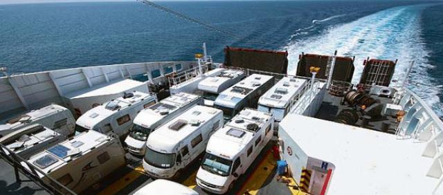 Camping-car sur le ferry