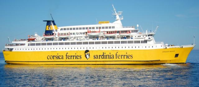 Navire Corsica Ferries en mer
